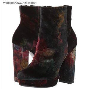 Madden Girl floral Velvet booties